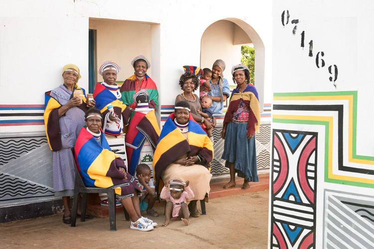 Ndebele-Program-2017-Africa-Craft-Trust_by-Lauren-Barkume1