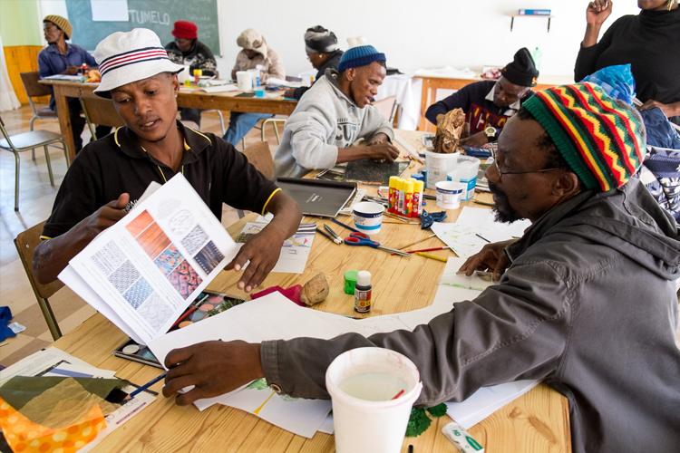 Visual-LIteracy-Traveling-Workshop-2017-Africa-Craft-Trust_by-Lauren-Barkume-(3-of-3)